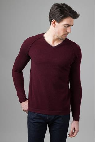 EXPOSED SEAM RAGLAN V-NECK