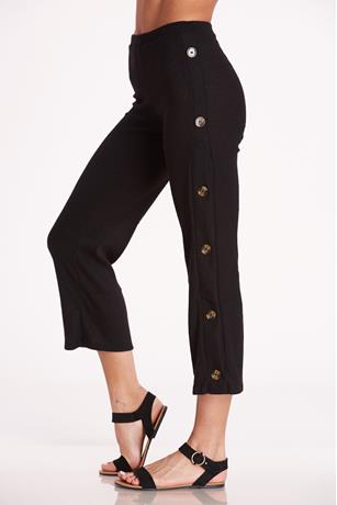 Buttoned Up Capri Pants BLACK