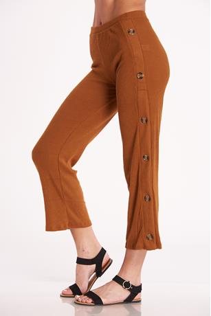 Buttoned Up Capri Pants RUST