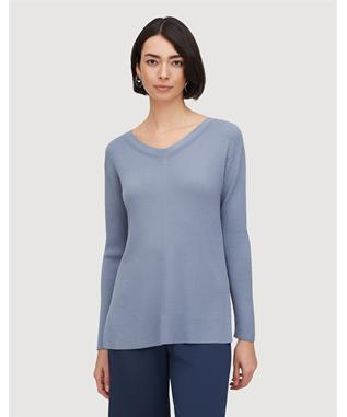 MATTE CREPE WIDE V-NECK RELAXED SWEATER BLUE JAY 404