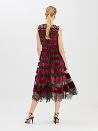 Chantilly Floral Lace and Velvet Cocktail Dress Black/Claret