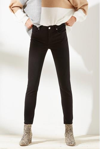 Sophie Skinny Ankle Jean in Sane BLACK