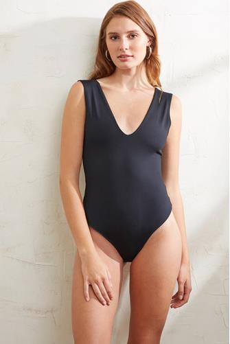 Keep It Sleek Bodysuit BLACK