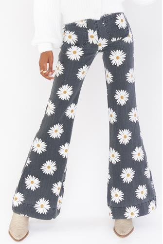 Farrah Pull-On Flare Jean in Daisy BLACK MULTI -