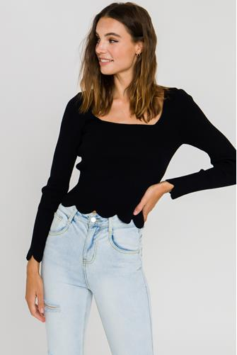 Scallop Hem Square Neck Sweater BLACK