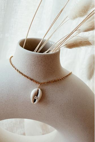Ariel Shell Necklace IVORY