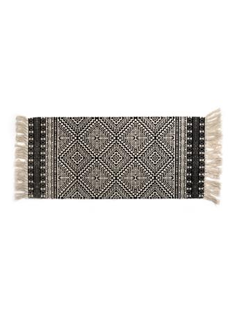 HOME ESSENTIALS - Scatter Rug - Black and White Diamond with Fringe WHITEBLK