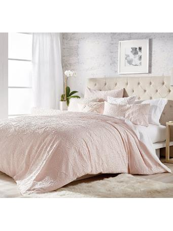 MICROSCULPT - Solid Medallion Comforter Set BLUSH