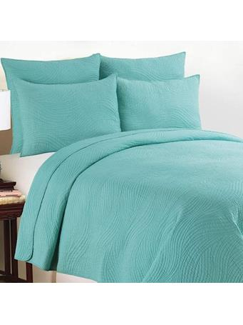 C&F - Tranquil Waves Quilt Set  AQUA