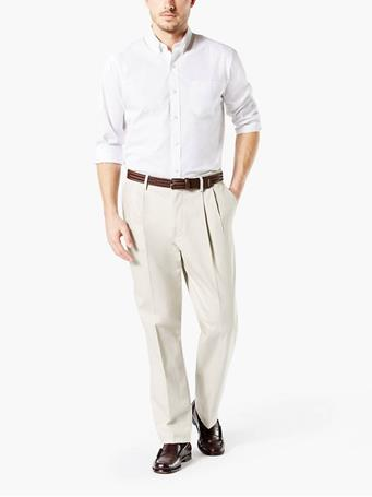DOCKERS - Signature Khaki Pleated Pants, Classic Fit CLOUD