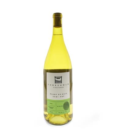 IN STORE PICKUP OR LOCAL DELIVERY ONLY: Threshold Vineyards Blanc Du Bois Semi-Dry Wine