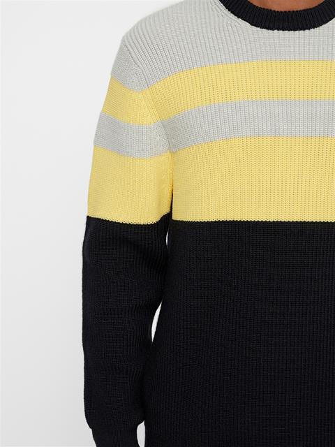 Mens Hendrick Wool Coolmax Sweater Black