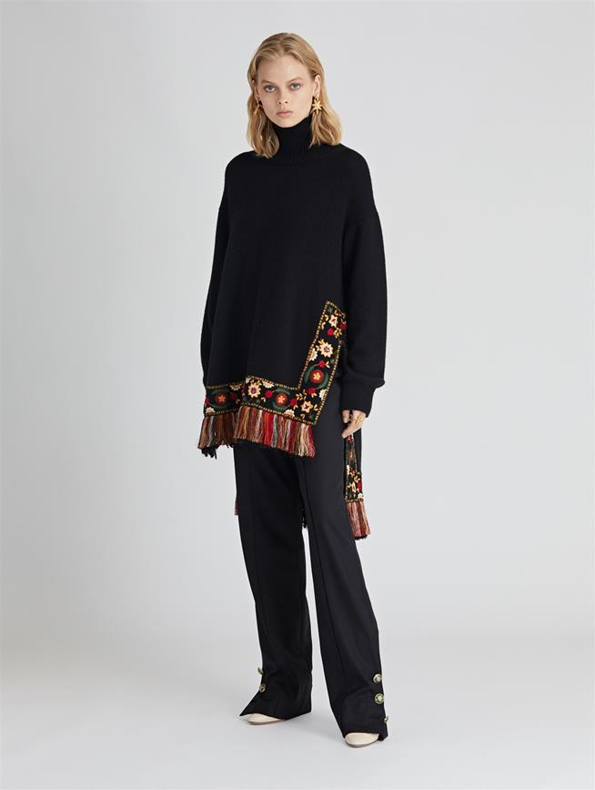 Embroidered Wool-Cashmere Turtleneck Pullover  Black