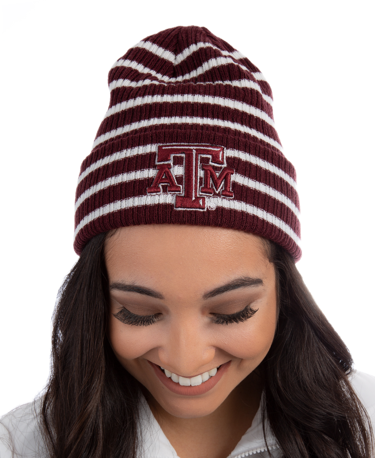 This Adidas beanie is great for the cold weather! The beanie features a  beveled